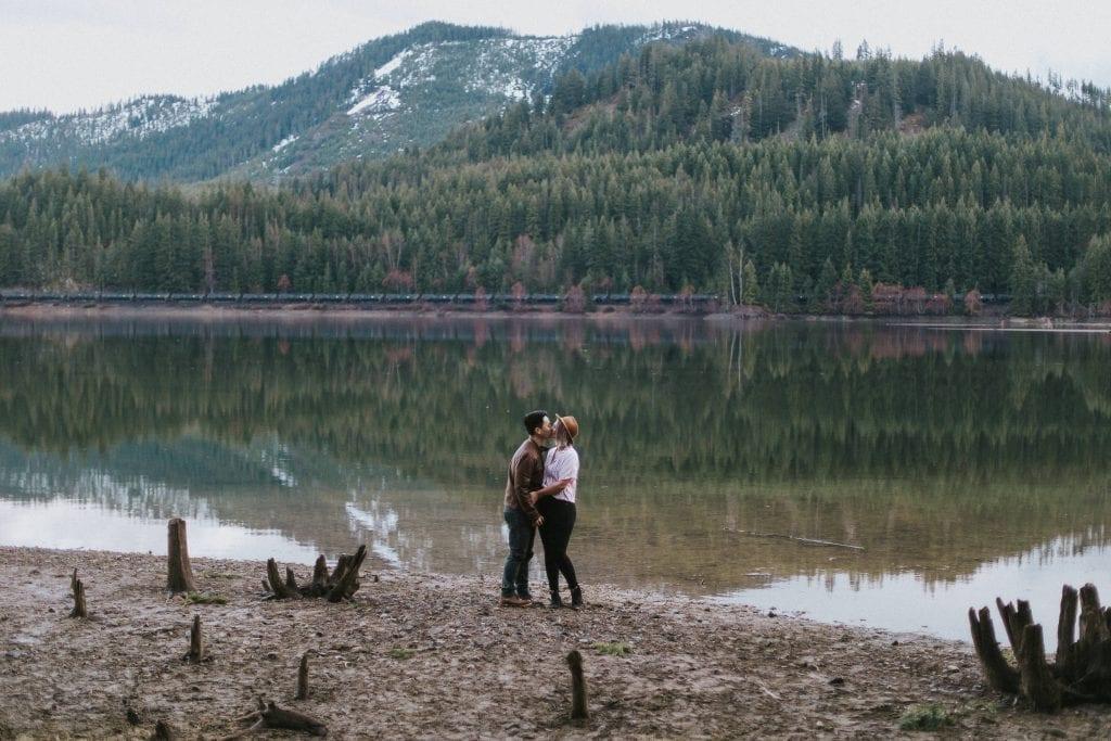 Oregon Intimate Wedding Photographer