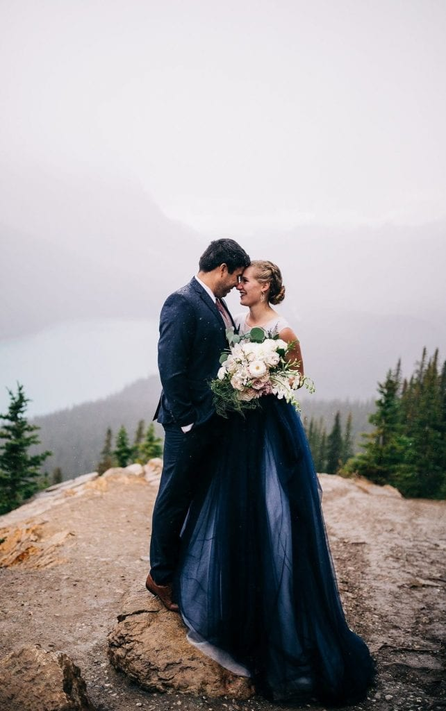 ultimate guide to planning adventure elopement at peyto lake
